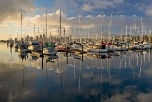 feb-17-set-honours-morning-light-on-the-marina-by-bryan-lay-yee-set-image-of-the-night