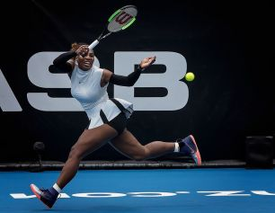 open-honours-serena-in-action-by-lynn-fothergill