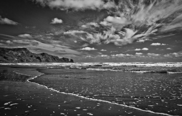 Bethells Beach by Linda Thorne